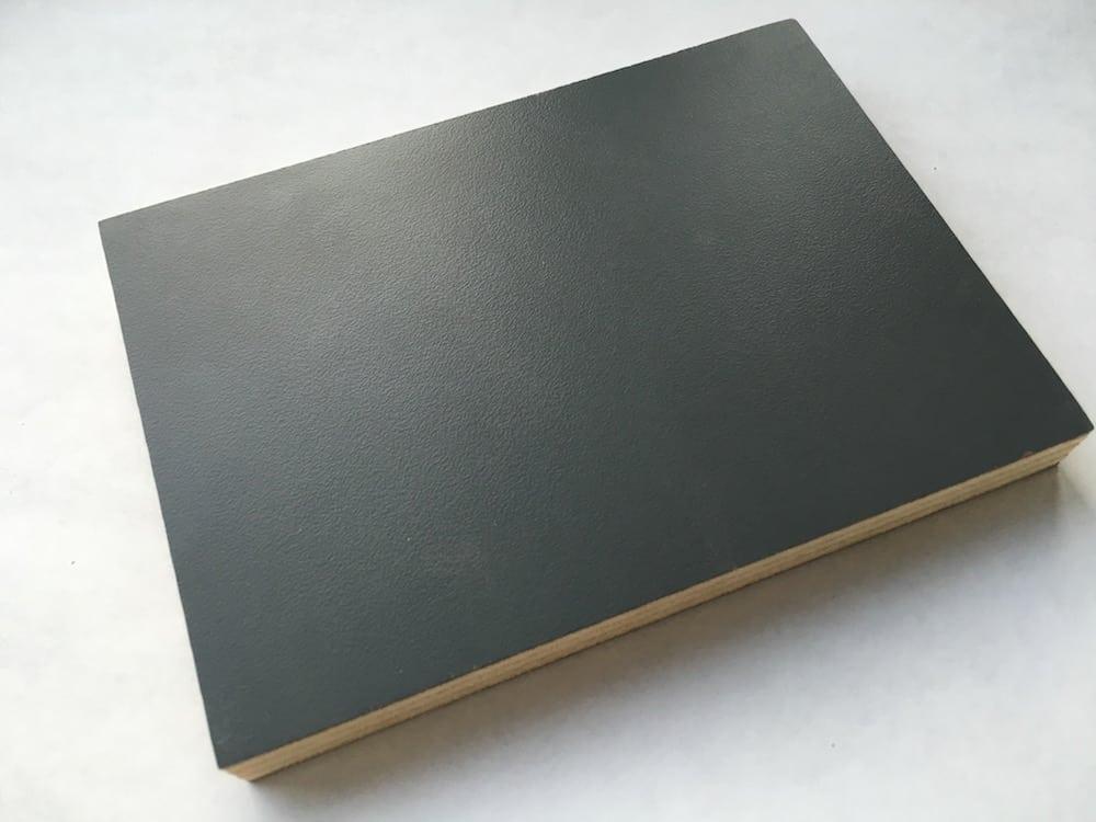 Grey 004