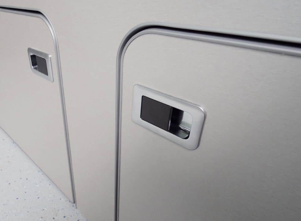 evo door catch satin chrome